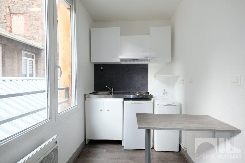 STUDIO A VENDRE - ST ETIENNE CENTRE VILLE - 22,75 m2 - 50000 €
