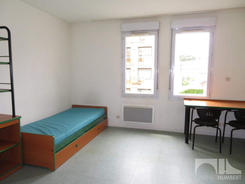 STUDIO A VENDRE - ST ETIENNE FACULTE / CENTRE DEUX - 21,81 m2 - 33500 €