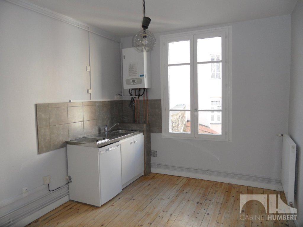APPARTEMENT T1 A LOUER - ST ETIENNE BADOUILLÈRE - 35,87 m2 - 300 € charges comprises par mois