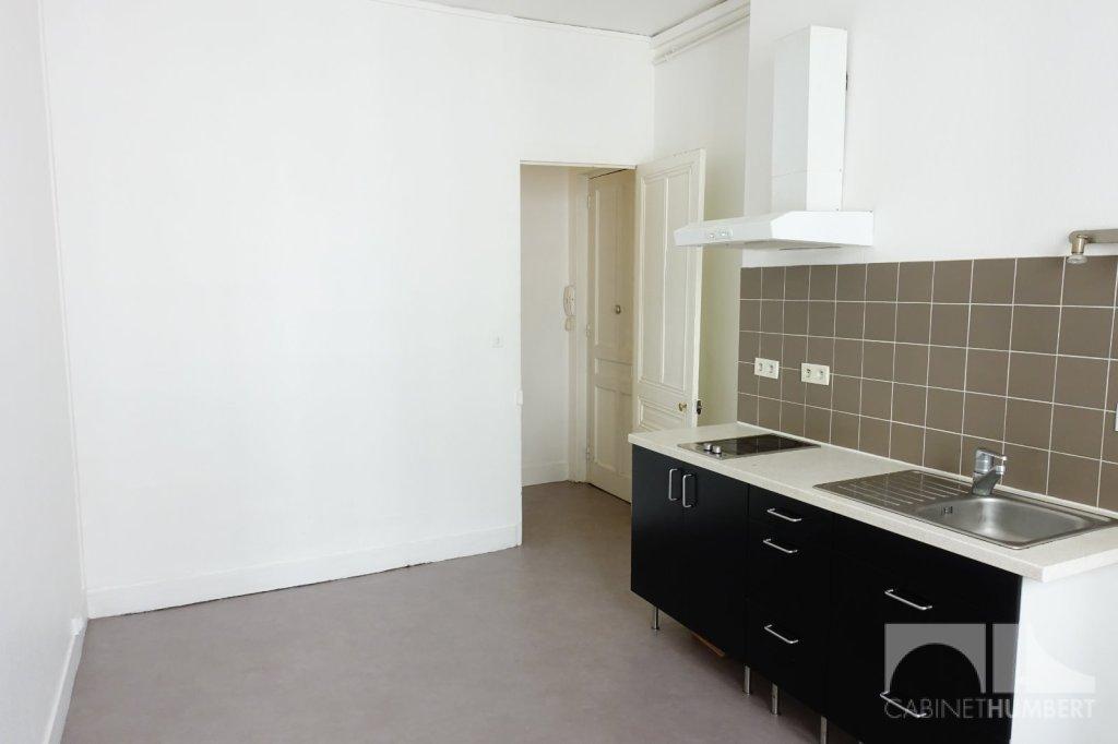 APPARTEMENT T1 A LOUER - ST ETIENNE CENTRE VILLE - 39,25 m2 - 300 € charges comprises par mois