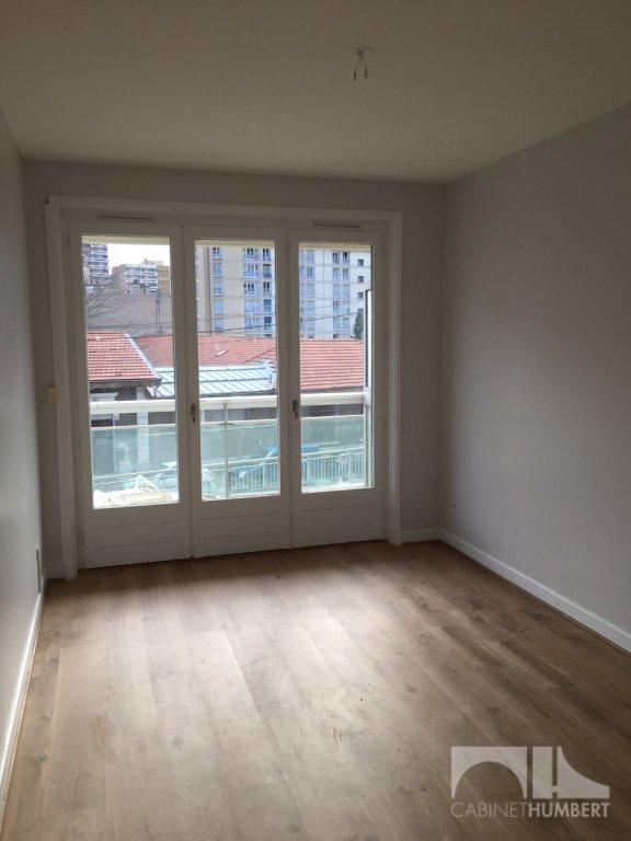 APPARTEMENT T2 A LOUER - ST ETIENNE BERGSON - 46 m2 - 500 € charges comprises par mois