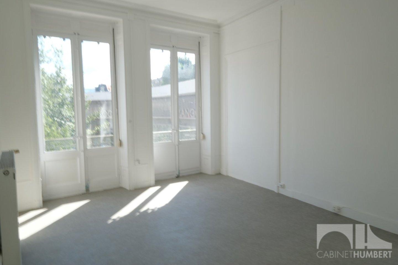 APPARTEMENT T2 A LOUER - ST ETIENNE CENTRE VILLE - 57,34 m2 - 412 € charges comprises par mois