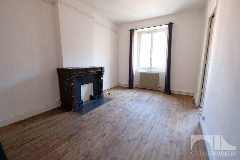 APPARTEMENT T2 A LOUER - ST ETIENNE HOTEL DE VILLE - 48 m2 - 410 € charges comprises par mois