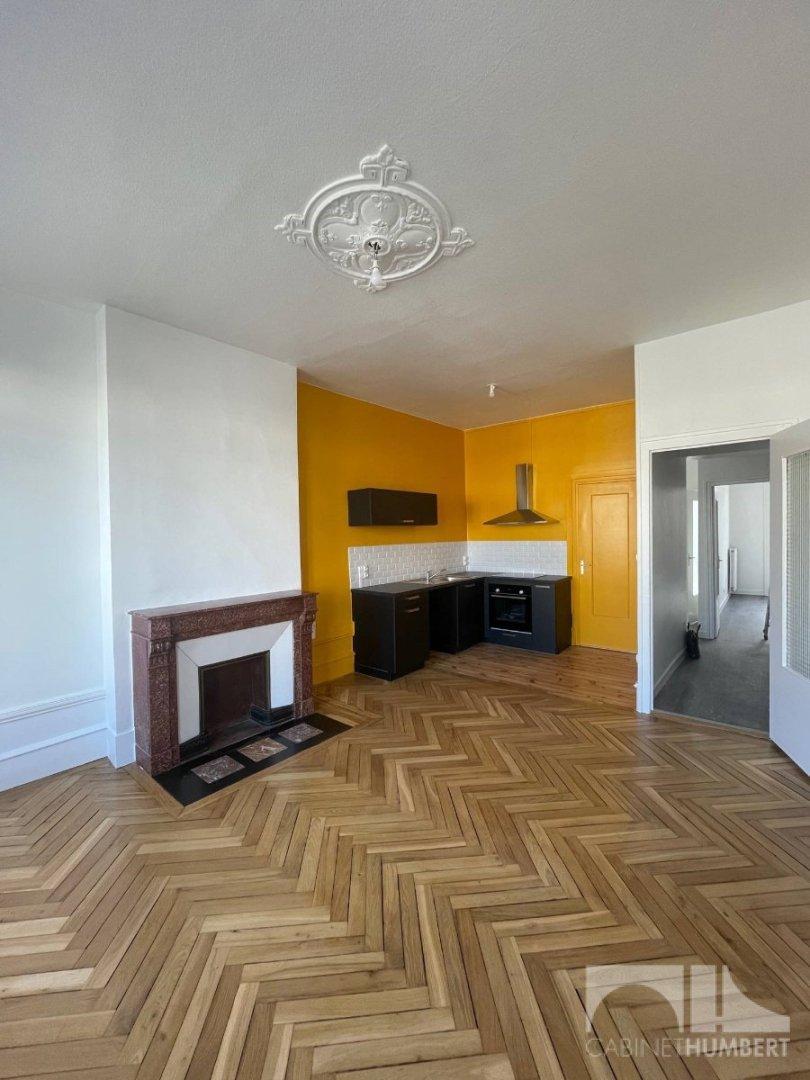APPARTEMENT T2 A LOUER - ST ETIENNE MONTPLAISIR - 61 m2 - 595 € charges comprises par mois