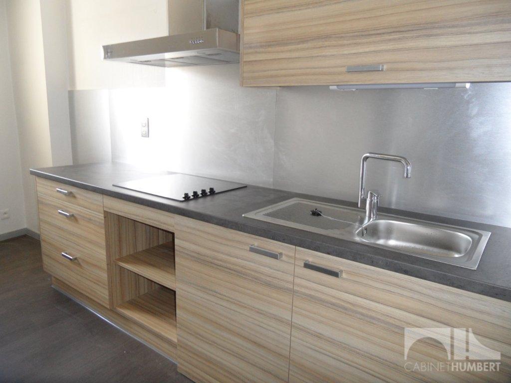 APPARTEMENT T2 A LOUER - ST ETIENNE PLACE GRENETTE - 50 m2 - 445 € charges comprises par mois