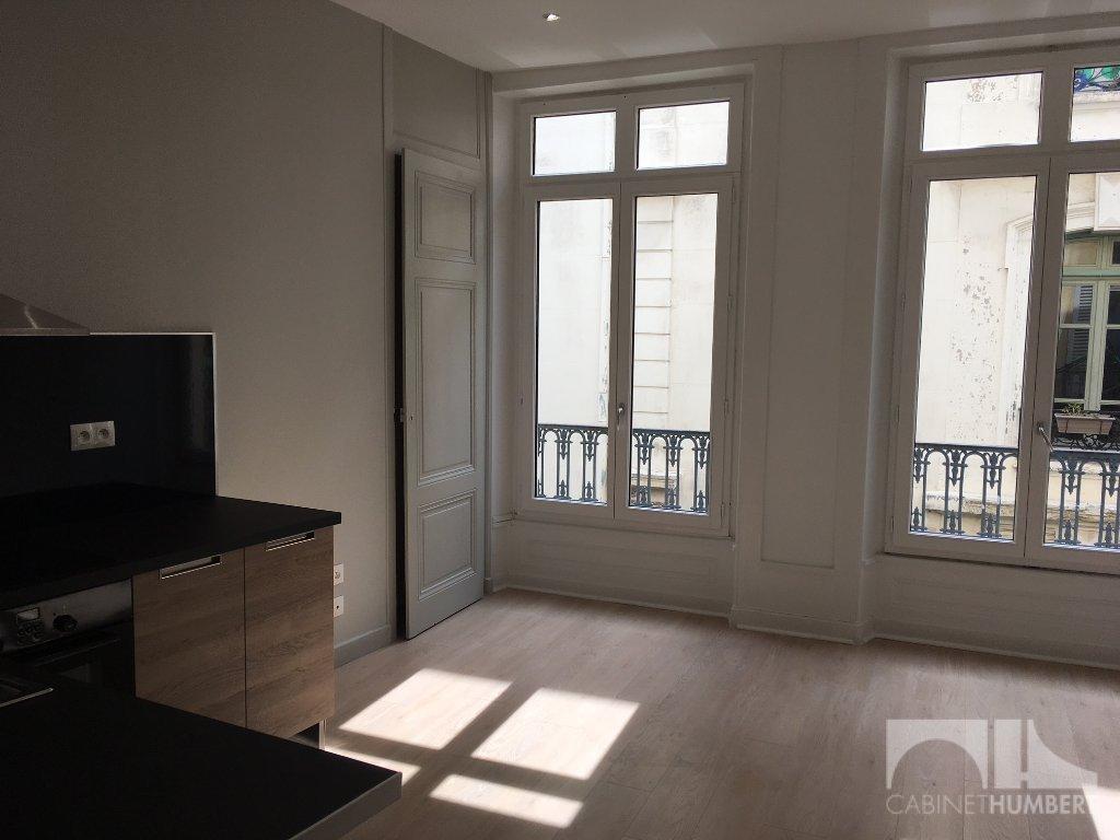 Appartement t2 a louer st etienne secteur dorian 31 m2 for Location appartement atypique saint etienne