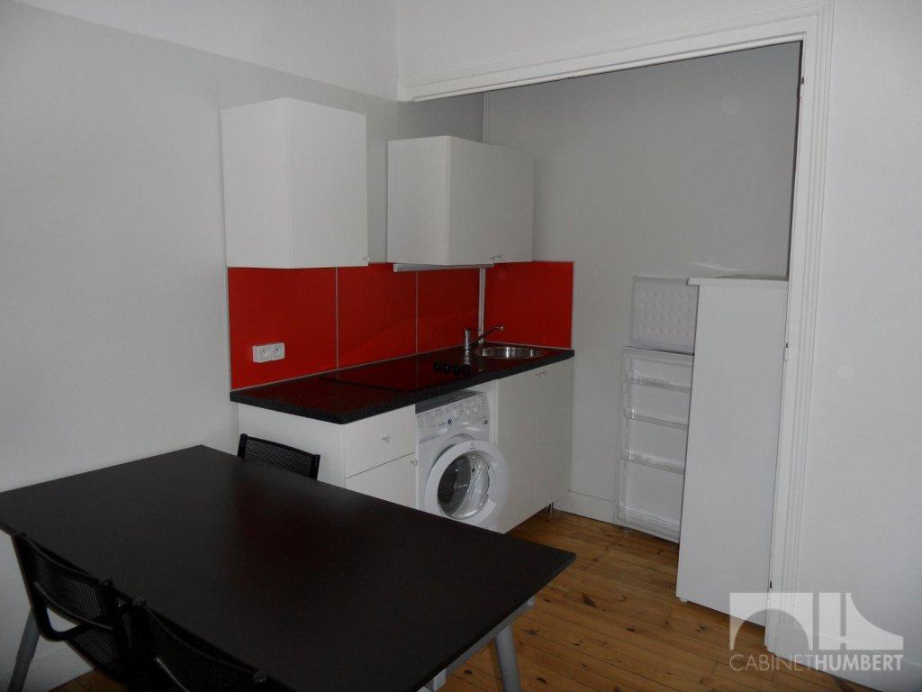 APPARTEMENT T3 A LOUER - ST ETIENNE CENTRE VILLE - 50,19 m2 - 460 € charges comprises par mois