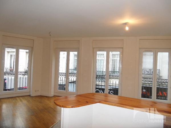 APPARTEMENT T3 A LOUER - ST ETIENNE CENTRE VILLE - 73 m2 - 595 € charges comprises par mois