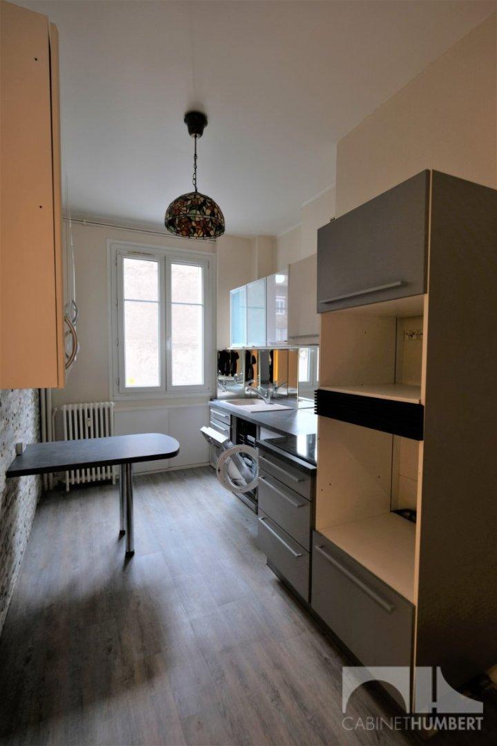 CENTRE VILLE A LOUER - ST ETIENNE CENTRE VILLE - 84 m2 - 690 € charges comprises par mois