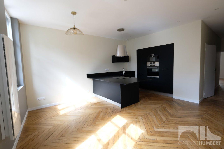 CENTRE VILLE A LOUER - ST ETIENNE CENTRE VILLE - 60 m2 - 600 € charges comprises par mois