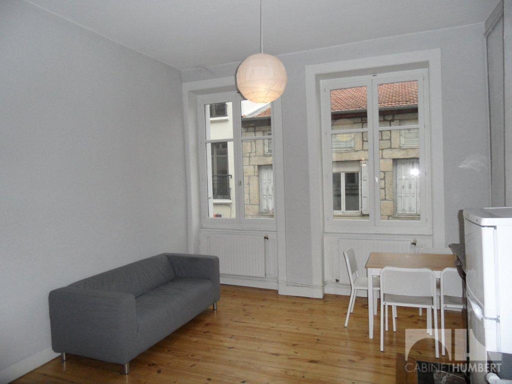APPARTEMENT T3 A LOUER - ST ETIENNE CENTRE VILLE - 50,25 m2 - 425 € charges comprises par mois
