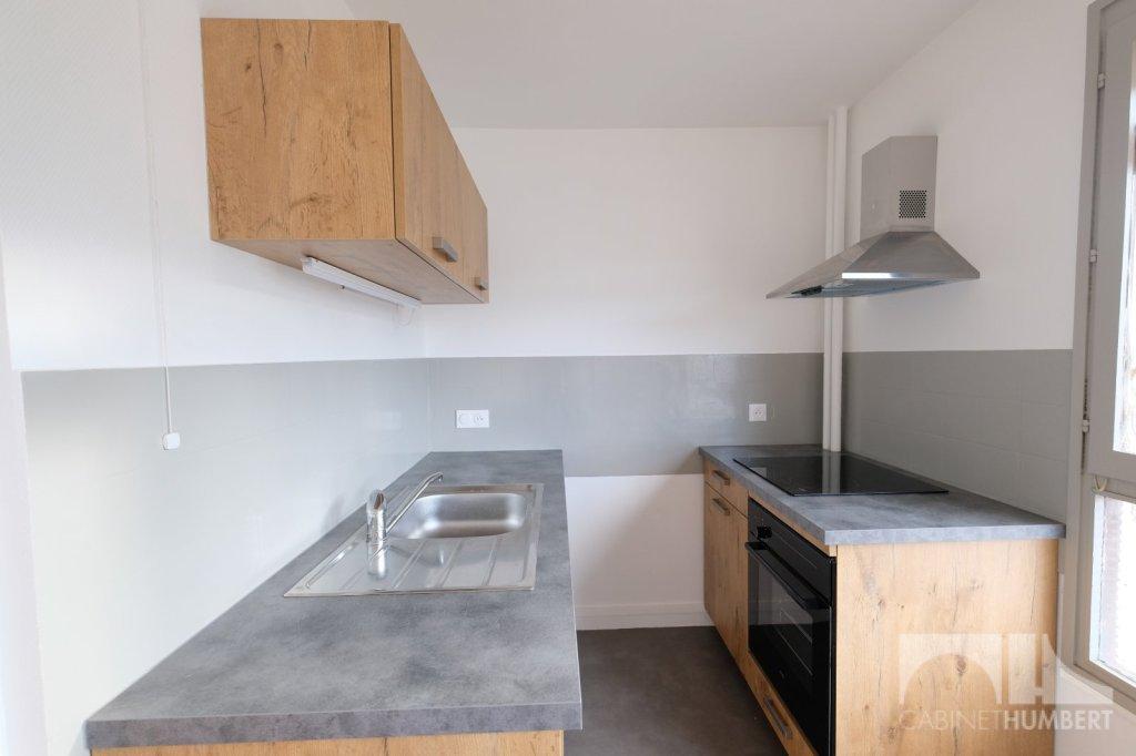 APPARTEMENT T3 A LOUER - ST ETIENNE FACULTE / CENTRE DEUX - 57,4 m2 - 570 € charges comprises par mois