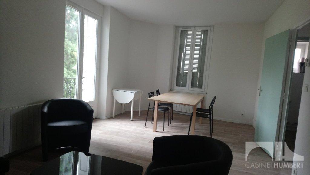 APPARTEMENT T3 A LOUER - ST ETIENNE FAURIEL - 67 m2 - 530 € charges comprises par mois