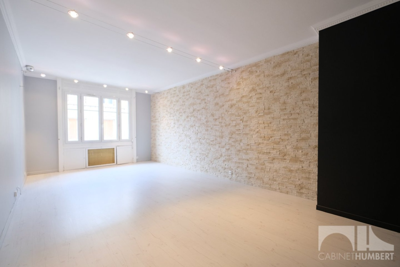 APPARTEMENT T3 A VENDRE - ST ETIENNE CENTRE VILLE - 82,67 m2 - 119000 €