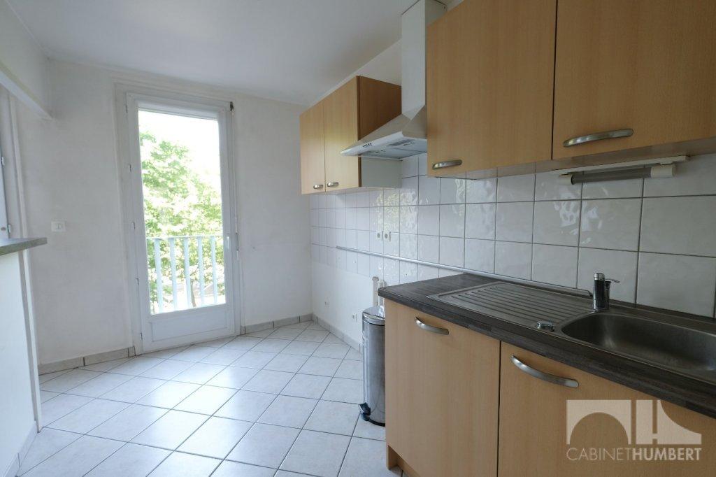 APPARTEMENT T3 A VENDRE - ST ETIENNE FAURIEL - 55,94 m2 - 75000 €
