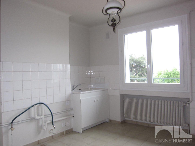 APPARTEMENT T4 A LOUER - ROCHE LA MOLIERE - 90,84 m2 - 630 € charges comprises par mois