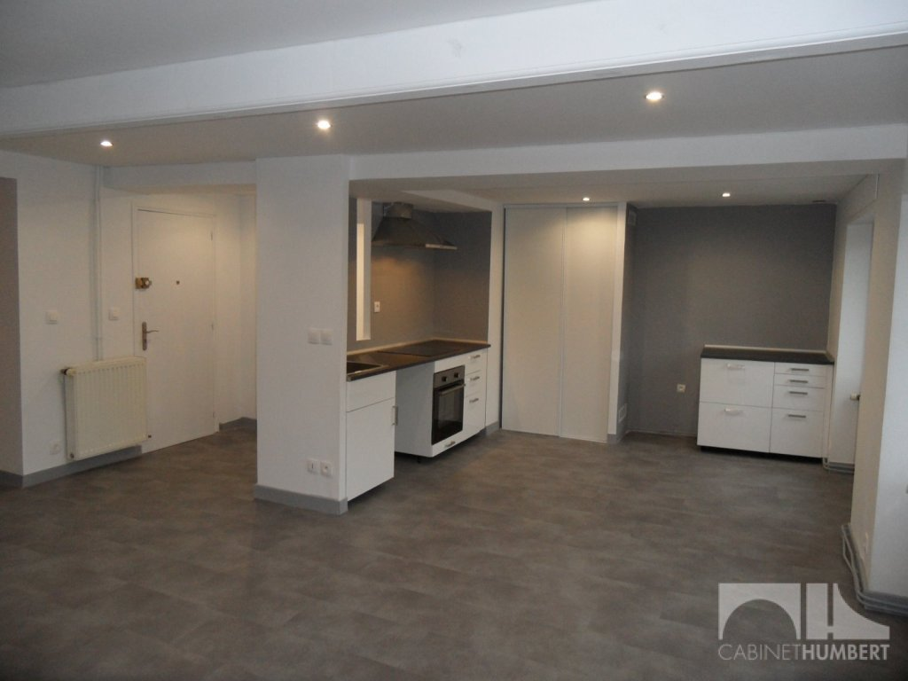 APPARTEMENT T4 - ST ETIENNE Anatole France - 76,1 m2 - LOUÉ