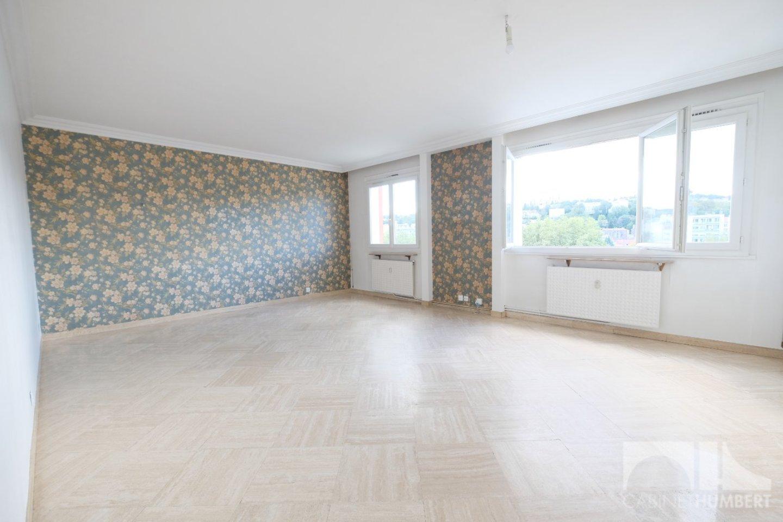 APPARTEMENT T4 A VENDRE - ST ETIENNE FACULTE / CENTRE DEUX - 81,67 m2 - 130000 €