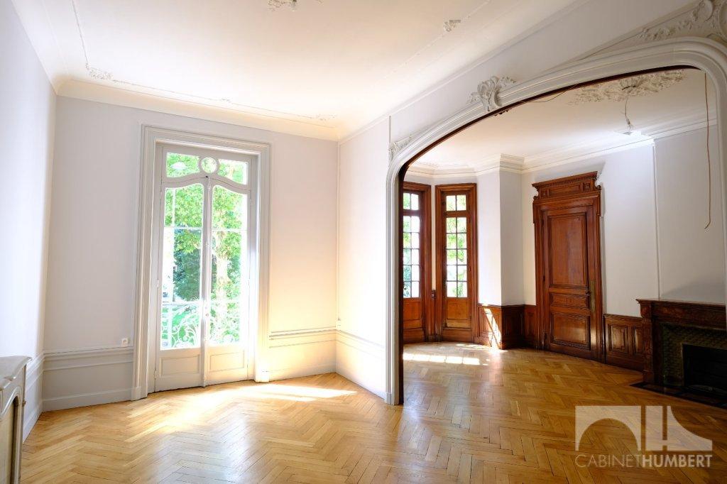 APPARTEMENT T6 A LOUER - ST ETIENNE BADOUILLÈRE - 198 m2 - 1320 € charges comprises par mois