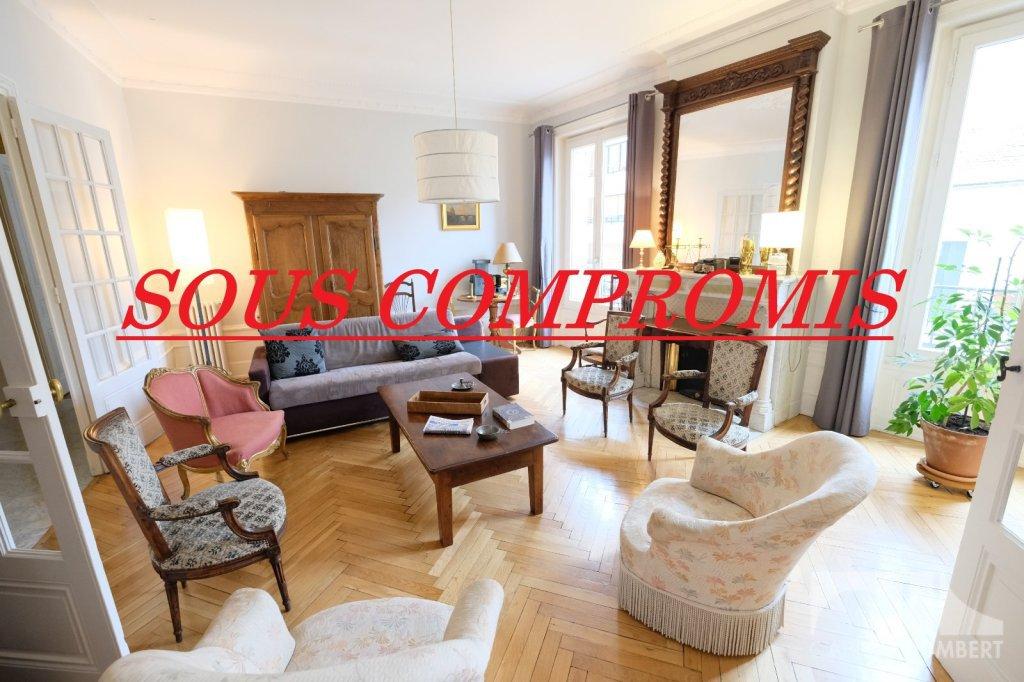APPARTEMENT T6 A VENDRE - ST ETIENNE BADOUILLÈRE - 160,78 m2 - 220000 €