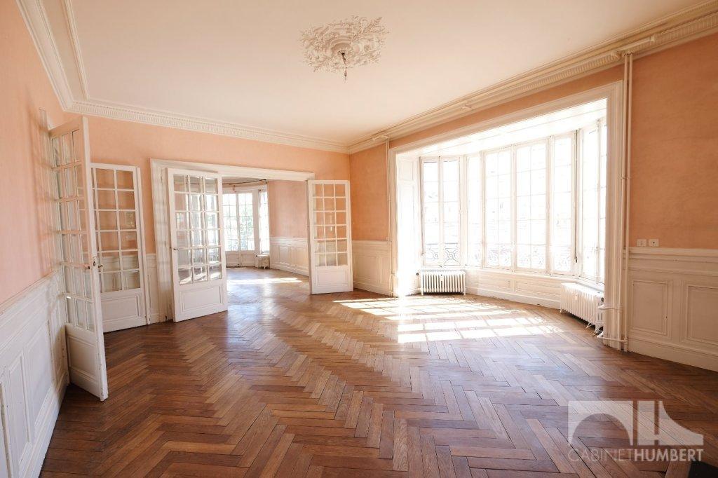 APPARTEMENT T7 A VENDRE - ST ETIENNE BADOUILLÈRE - 199,51 m2 - 235000 €