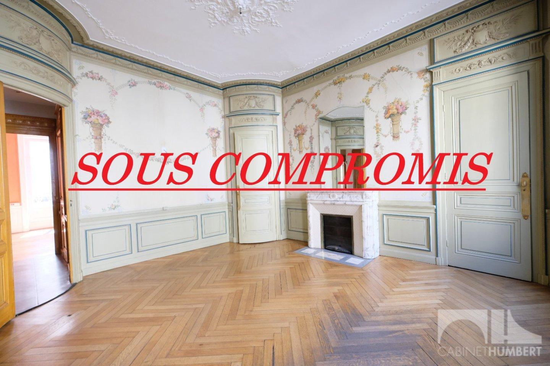 APPARTEMENT T8 - ST ETIENNE CENTRE VILLE - 238,19 m2 - 250000 €